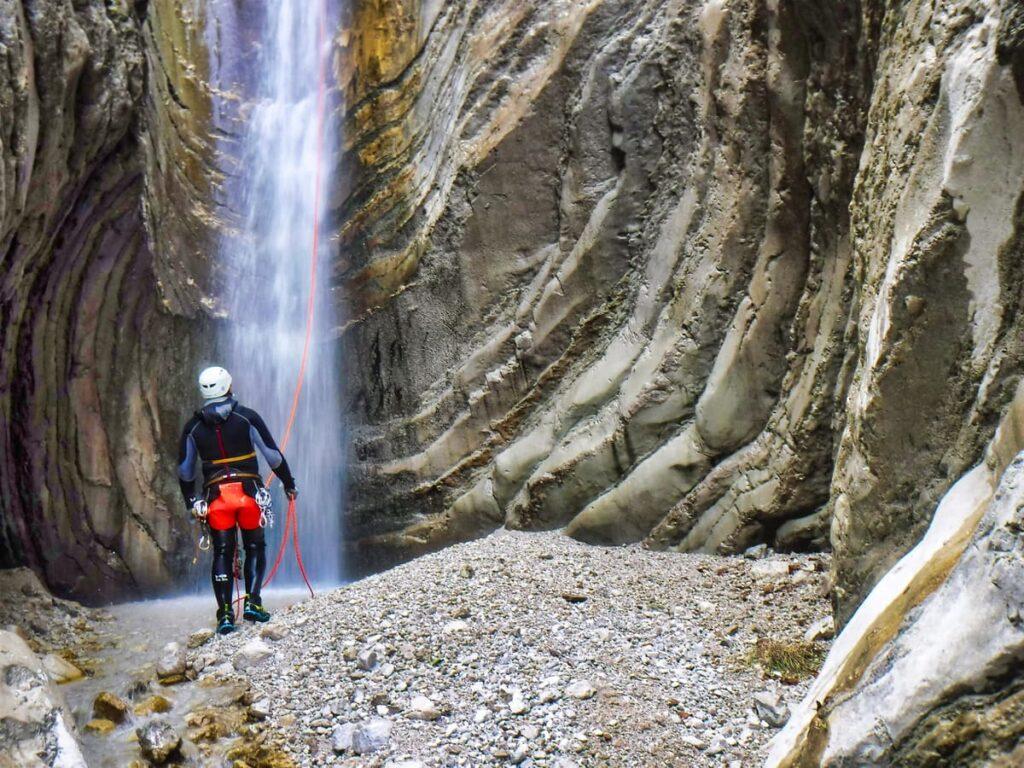 canyoning abruzzo fossaceca recovery energy Recovery Energy | Experience Emotions Canyoning Lazio, Abruzzo, Umbria. Escursionismo e Survival 5 posti meravigliosi che puoi vedere solo con il canyoning