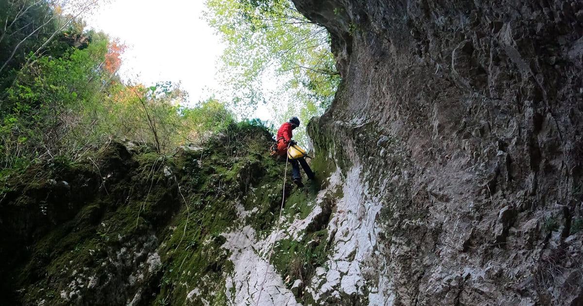canyoning lazio torrentismo rieti forra corbezzoli secco senza acqua recovery energy Recovery Energy | Experience Emotions Canyoning Lazio, Abruzzo, Umbria. Escursionismo e Survival Canyoning Torrentismo