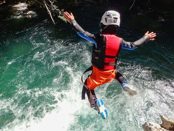 canyoning torrentismo aniene Recovery Energy | Experience Emotions Canyoning Lazio, Abruzzo, Umbria. Escursionismo e Survival Canyoning all'Aniene