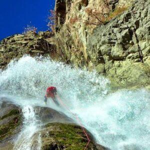 advanced canyoneer corso avanzato torrentismo canyoning recovery energy Recovery Energy | Experience Emotions Canyoning Lazio, Abruzzo, Umbria. Escursionismo e Survival Gran Sasso