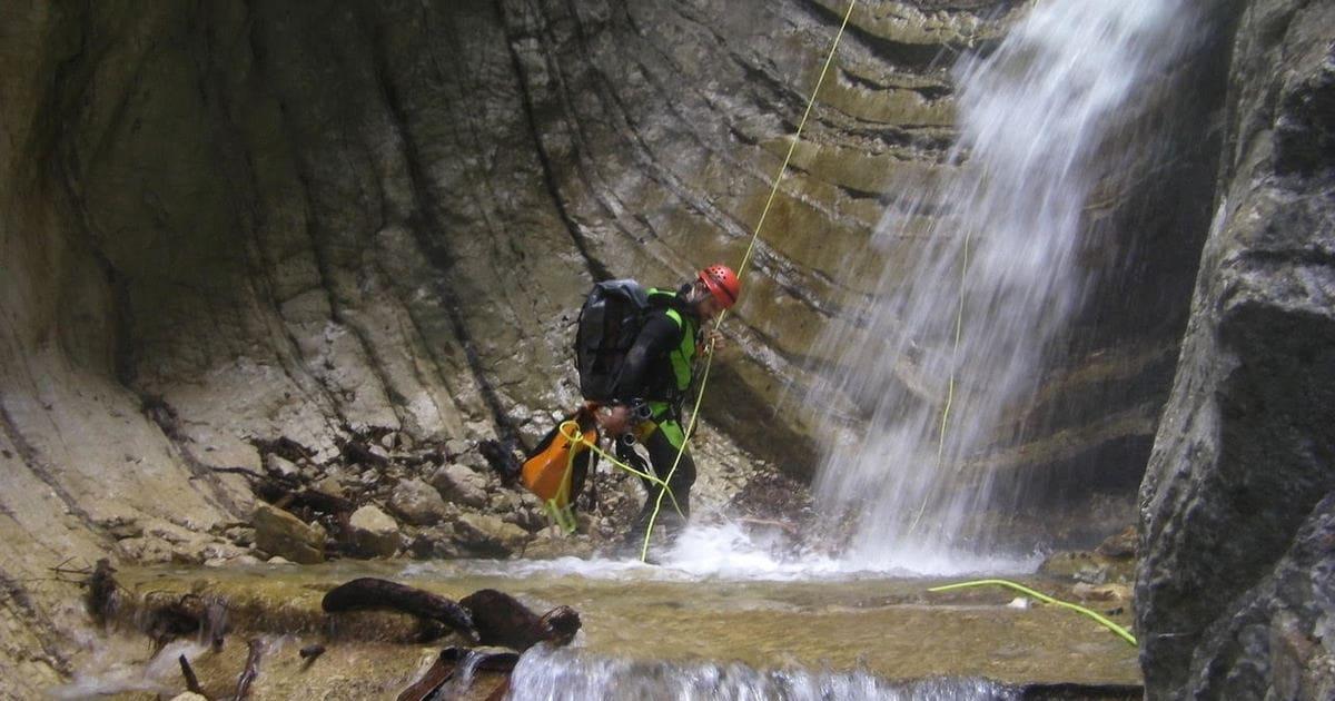 canyoning torrentismo abruzzo gran sasso teramo fossaceca recovery energy Recovery Energy | Experience Emotions Canyoning Lazio, Abruzzo, Umbria. Escursionismo e Survival Canyoning Torrentismo