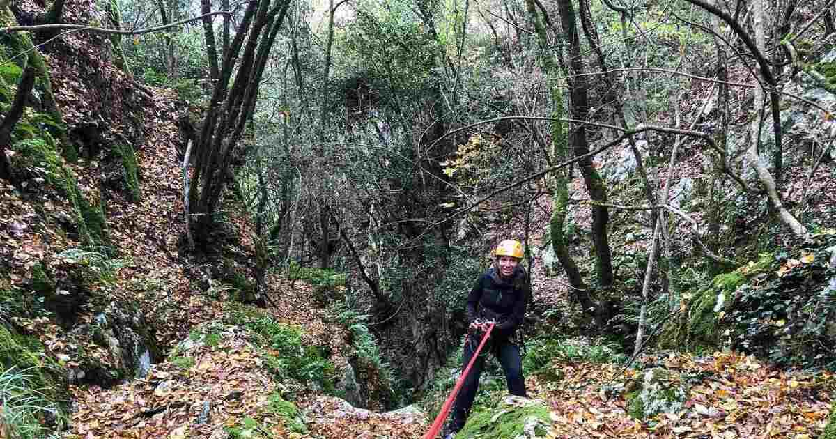 canyoning torrentismo valloppio lazio rieti lago turano recovery energy Recovery Energy | Experience Emotions Canyoning Lazio, Abruzzo, Umbria. Escursionismo e Survival Canyoning Torrentismo