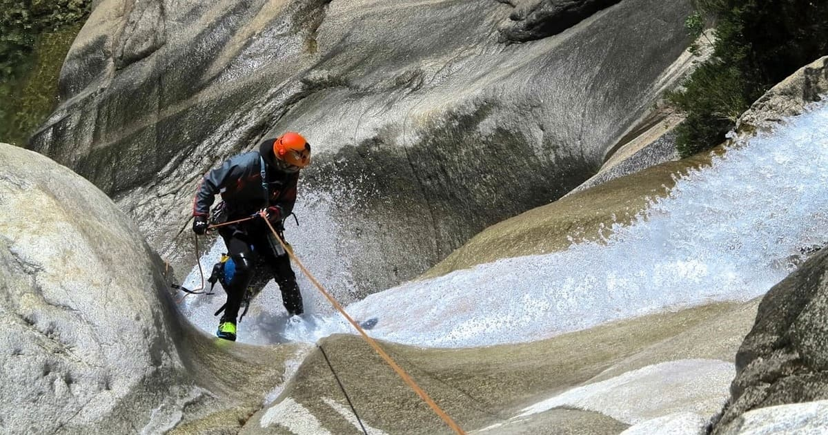 corso avanzato canyoning torrentismo corsica recovery energy Recovery Energy | Experience Emotions Canyoning Lazio, Abruzzo, Umbria. Escursionismo e Survival Corsi