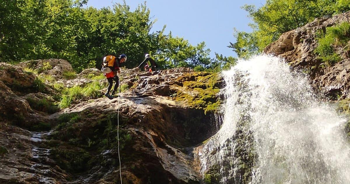 corso avanzato canyoning torrentismo recovery energy Recovery Energy | Experience Emotions Canyoning Lazio, Abruzzo, Umbria. Escursionismo e Survival Corsi