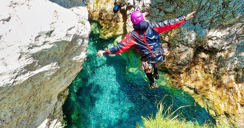 corso base canyoning recovery energy Recovery Energy | Experience Emotions Canyoning Lazio, Abruzzo, Umbria. Escursionismo e Survival I 7 luoghi italiani più belli dove abbiamo fatto canyoning