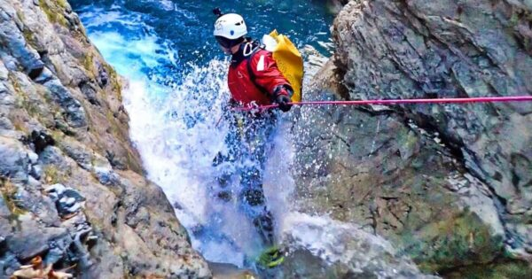 open canyoneer corso base canyoning recovery energy Recovery Energy | Experience Emotions Canyoning Lazio, Abruzzo, Umbria. Escursionismo e Survival Corso Base di Canyoning