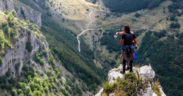 trekking canyoning dispersi valloppio recovery energy Recovery Energy | Experience Emotions Canyoning Lazio, Abruzzo, Umbria. Escursionismo e Survival Dispersi a Valloppio (Survival + Canyoning)