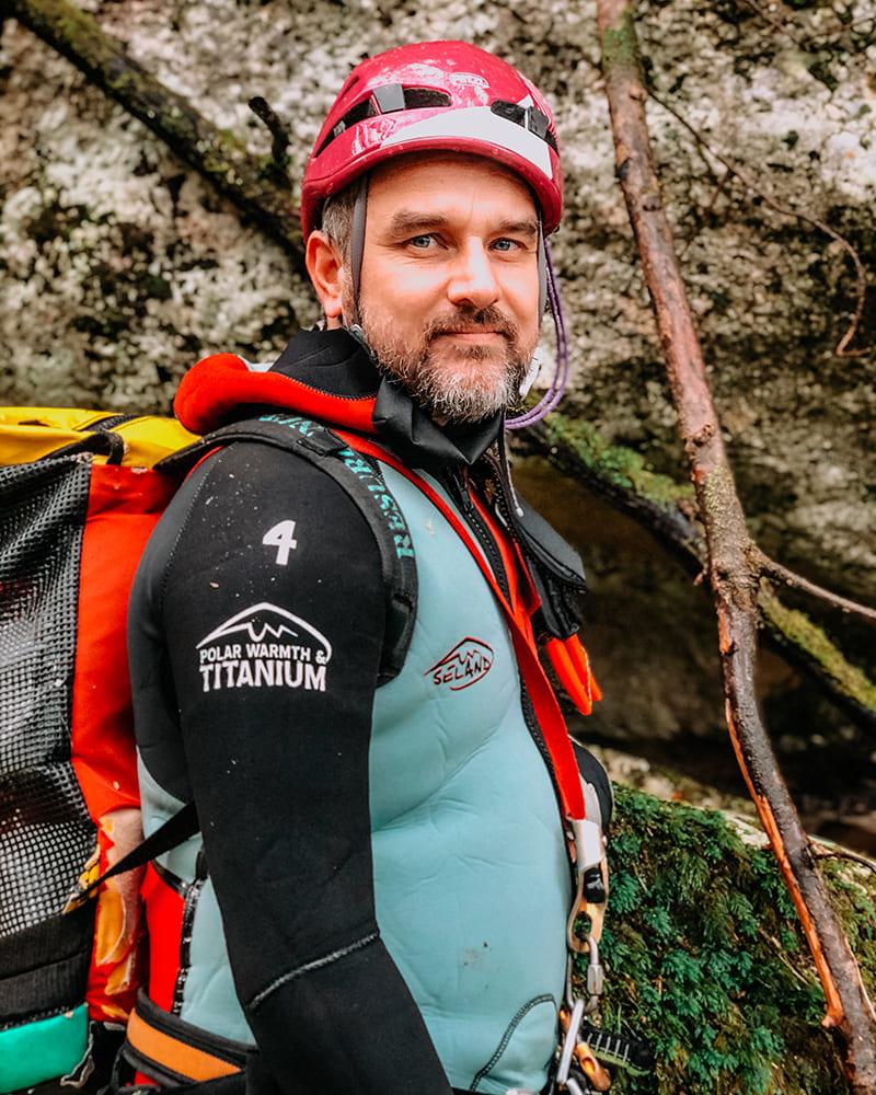 cosimo operatore specializzato recovery energy Recovery Energy | Experience Emotions Canyoning Lazio, Abruzzo, Umbria. Escursionismo e Survival Chi siamo