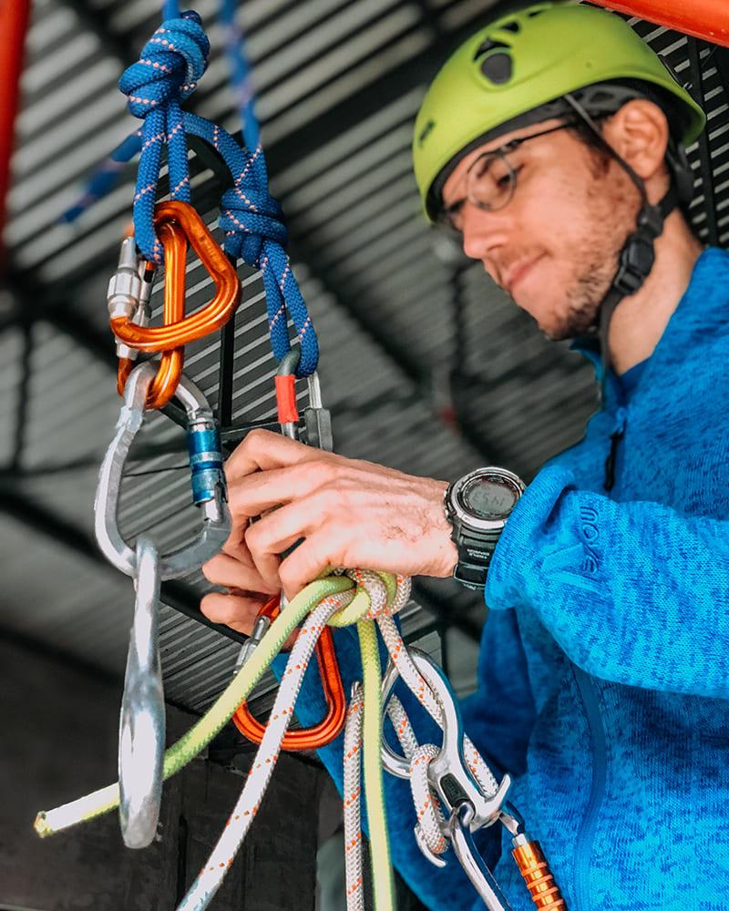 matteo guida ambientale escursionistica operatore canyoning recovery energy Recovery Energy | Experience Emotions Canyoning Lazio, Abruzzo, Umbria. Escursionismo e Survival Chi siamo
