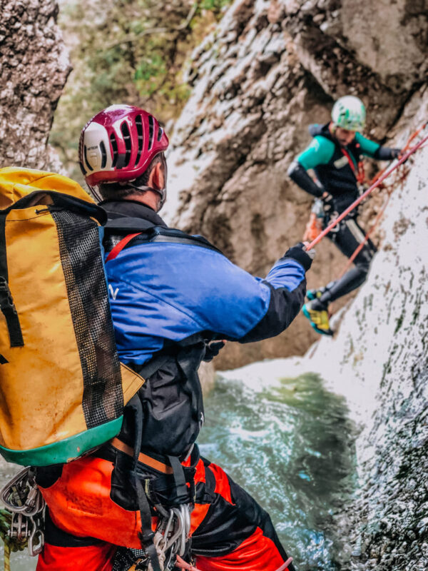 canyoning torrentismo molise recovery energy 1 Recovery Energy | Experience Emotions Canyoning Lazio, Abruzzo, Umbria. Escursionismo e Survival Canyoning in Molise