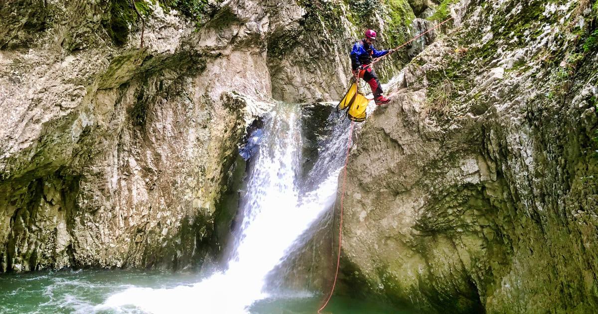 canyoning torrentismo molise recovery energy 4 Recovery Energy | Experience Emotions Canyoning Lazio, Abruzzo, Umbria. Escursionismo e Survival Canyoning in Molise: un week-end fuori porta per emozionarti con la novità del 2021