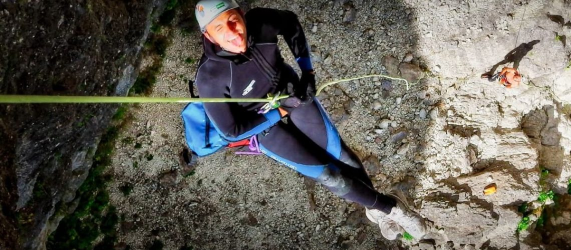 fare-canyoning-in-sicurezza-con-guide-formate-ed-esperte-recovery-energy